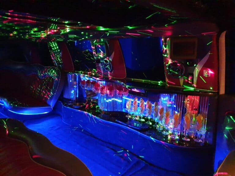 Inchiriere limuzina escalade Anastasia Events5