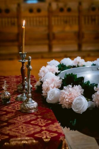 Aranjament floral cristelnitaAnastasia Events