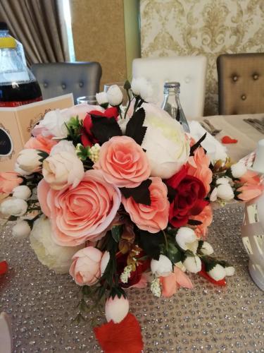 Buchet flori artificiale350 lei